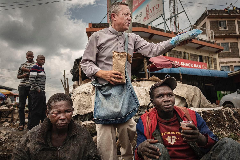 """3f8cb4136b Fotografia Borisa Németha """"Slováci medzi slumami"""" z misie VŠZaSP sv. Alžbety  v Keni"""